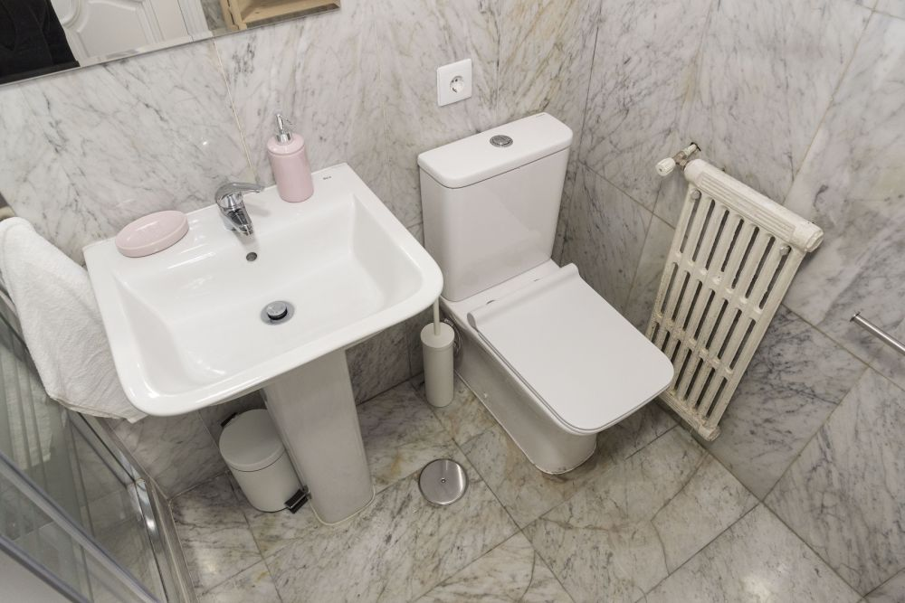 https://helpaccommodation.sextan.eu/upload/flats//-bathroom B_1.jpg