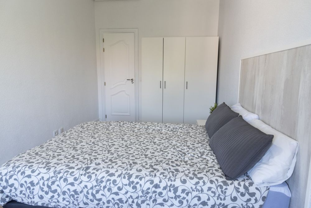 https://helpaccommodation.sextan.eu/upload/flats/PP29_32/PP29_32_2-bedroom 2_3.jpg