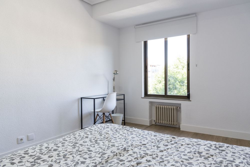 https://helpaccommodation.sextan.eu/upload/flats/PP29_32/PP29_32_3-bedroom 3_1.jpg