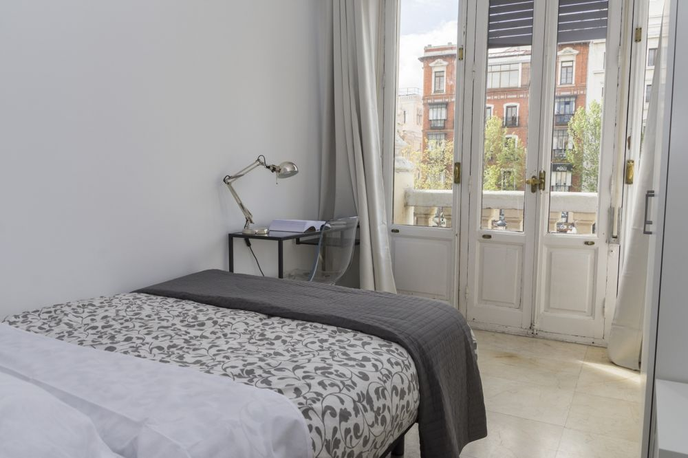 https://helpaccommodation.sextan.eu/upload/flats/PSA4_1/3-1.jpg
