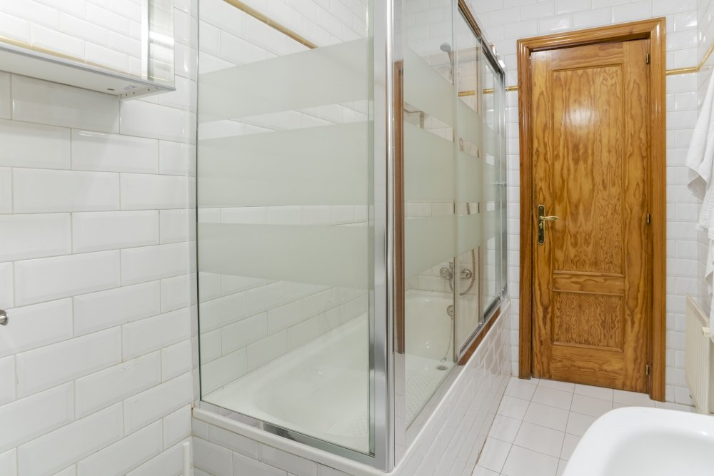 https://helpaccommodation.sextan.eu/upload/flats//-baño b_2.jpg