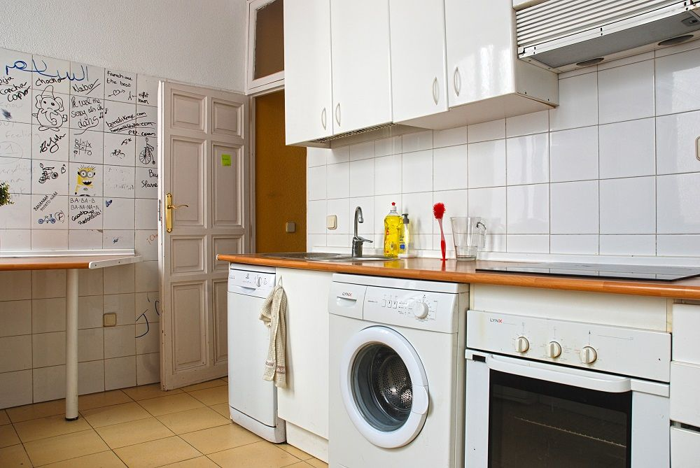 https://helpaccommodation.sextan.eu/upload/flats//-Cocina3.JPG