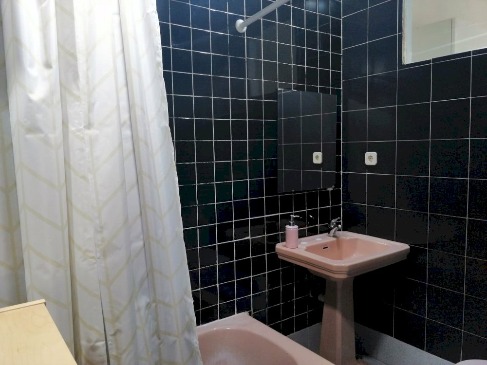 https://helpaccommodation.sextan.eu/upload/flats//-1564135436baño b 4.jpeg