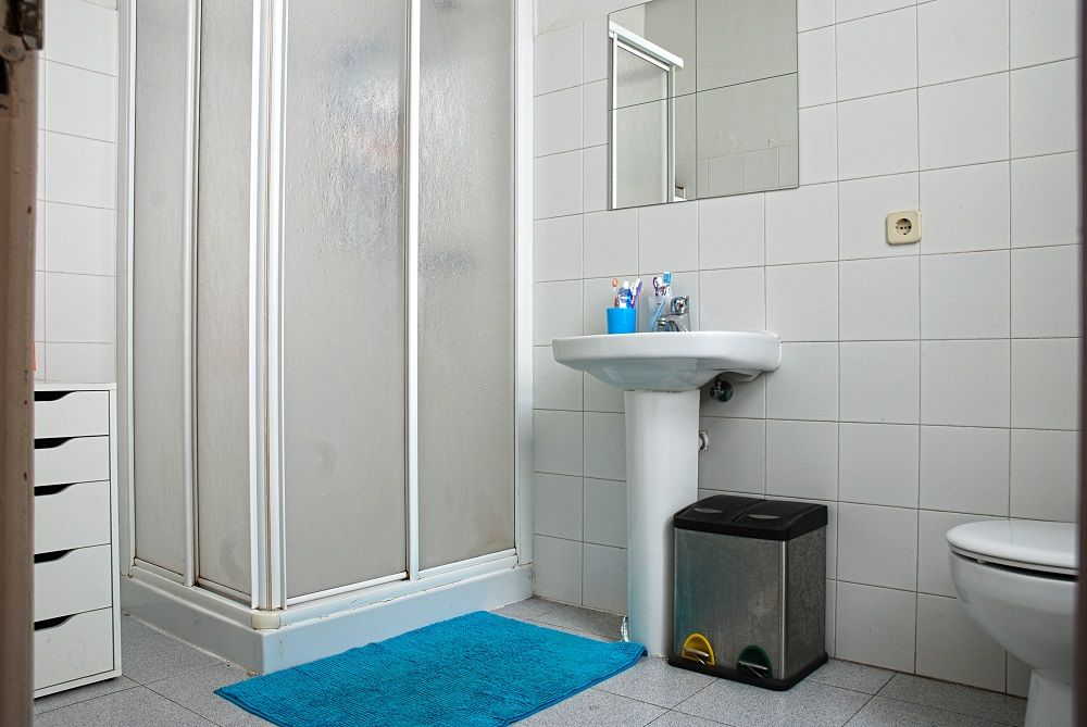 http://helpaccommodation.sextan.eu/upload/flats//-Baño2.JPG