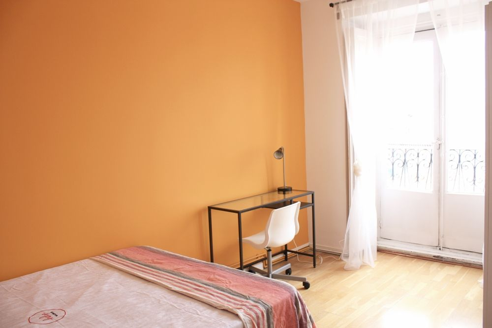 http://helpaccommodation.sextan.eu/upload/flats/R12_4i/5-R124I 5.1.JPG