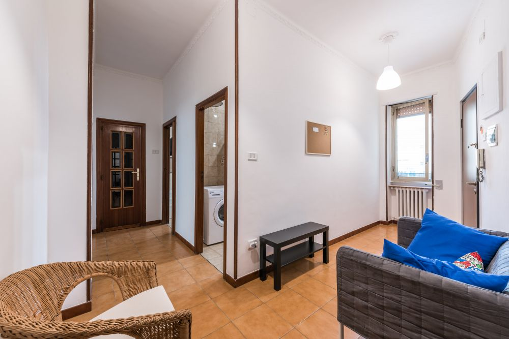 https://helpaccommodation.sextan.eu/upload/flats/S5F_8/S5F_8-810_1275.jpg