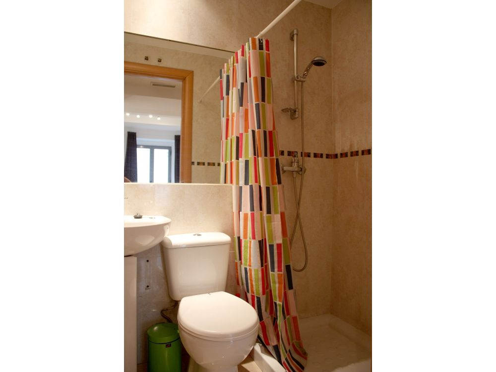 https://helpaccommodation.sextan.eu/upload/flats/SC6_1I/11-11.baño.jpg
