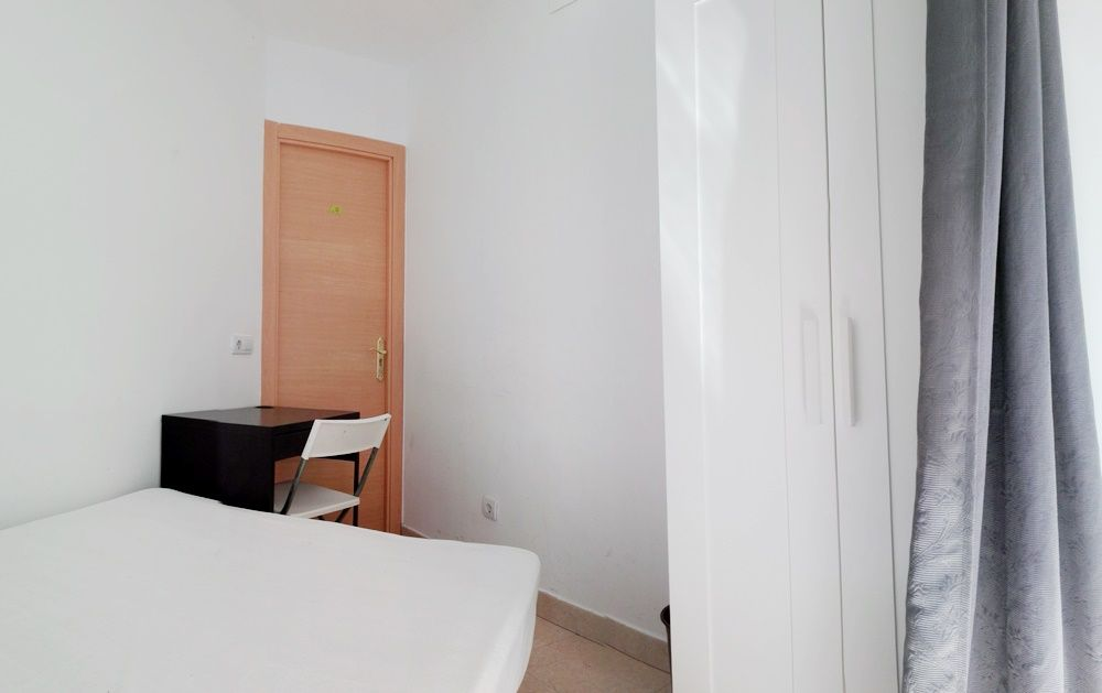 https://helpaccommodation.sextan.eu/upload/flats/SC6_1I/4-IMG_20170825_131413.jpg