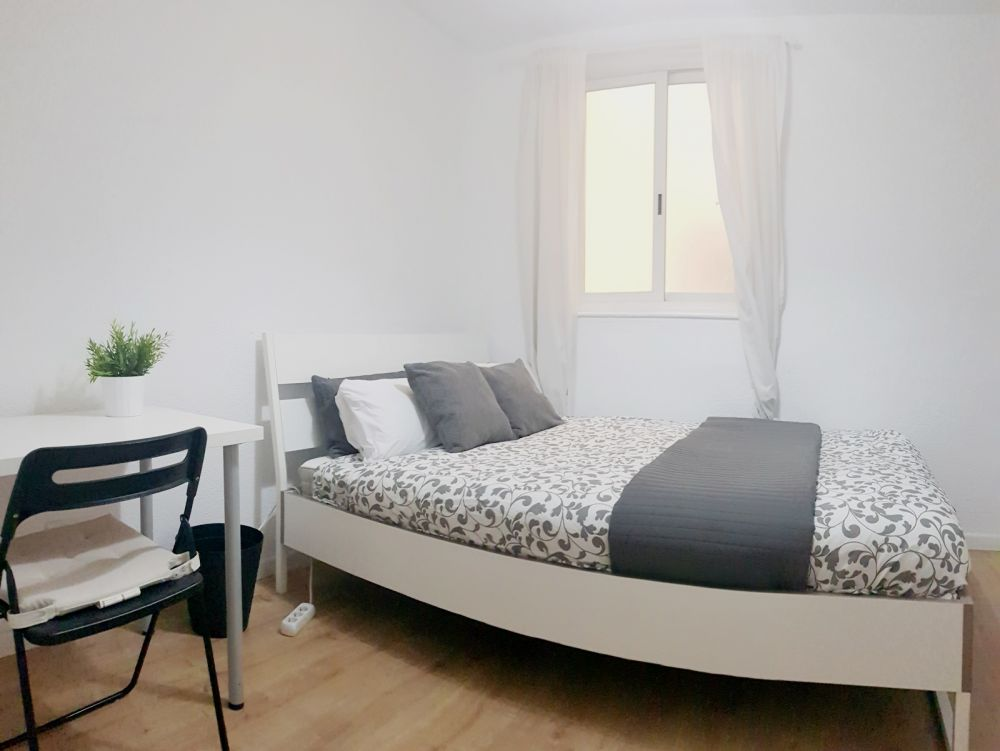 https://helpaccommodation.sextan.eu/upload/flats/SC8_1/11-5.jpg
